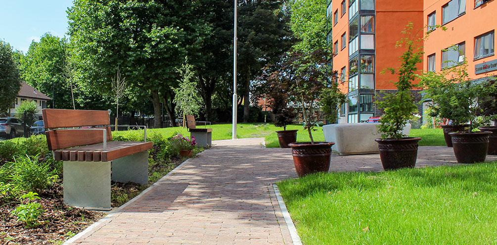 Canon Green Court