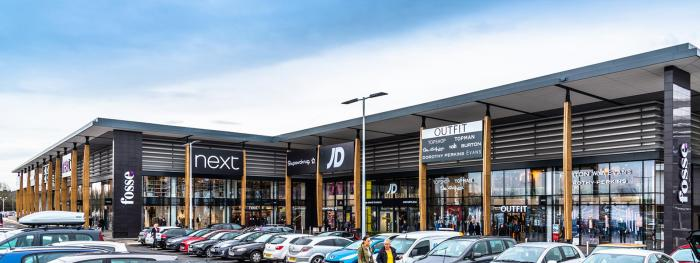 Planters, seating and cycle parking for Fosse Retail Park